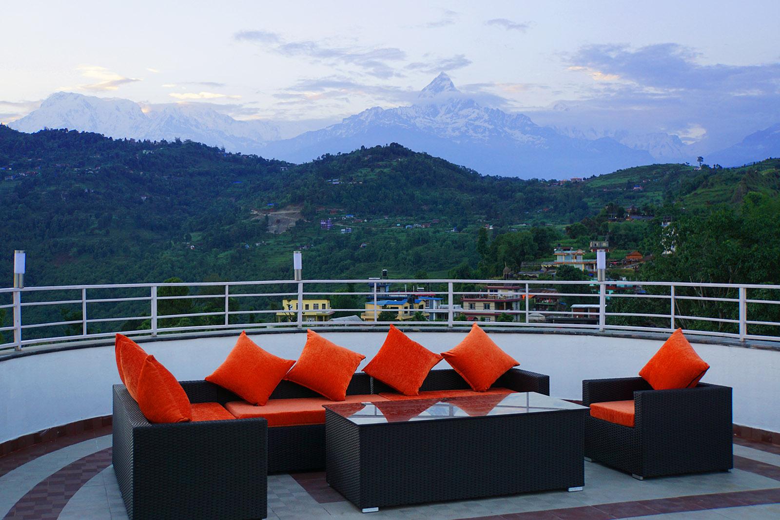 Rooftop lounge - Machhapuchhre view